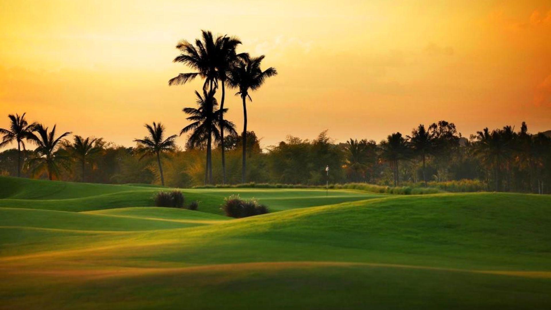 Prestige Golfshire Villas Golf Club   luxuryproperties.in